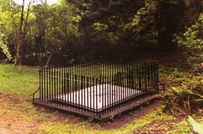 le-tombeau-de-napoleon-a-sainte-helene.jpg